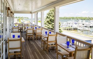 Restaurant - Baron's Cove Inn Sag Harbor