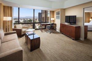 Suite - Westin Bonaventure Hotel & Suites Los Angeles