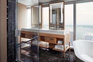 Suite - Delta Hotel by Marriott Downtown Toronto