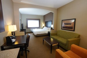 Suite - Holiday Inn Express Hotel & Suites Canyonville