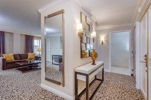Suite - Crowne Plaza Hotel Danbury