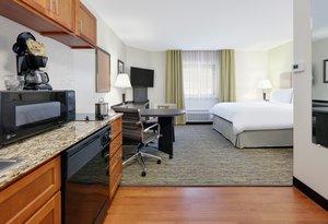 Room - Candlewood Suites Salina