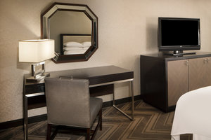 Room - Sheraton Bucks County Hotel Langhorne