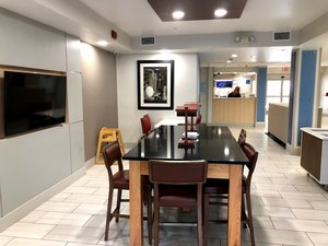 Restaurant - Holiday Inn Express Hotel & Suites Kings Mountain