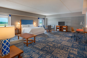 Suite - Four Points by Sheraton Hotel Airport Bangor