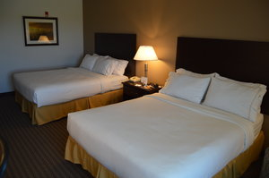 Room - Holiday Inn Express Hotel & Suites Winner