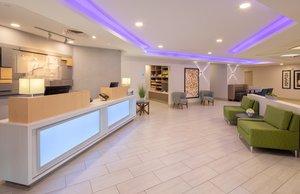 Lobby - Holiday Inn Express Windsor Locks