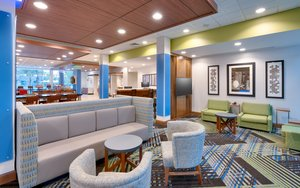 Lobby - Holiday Inn Express Hotel & Suites Southwest Gainesville