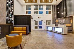Lobby - Holiday Inn Express Whitby