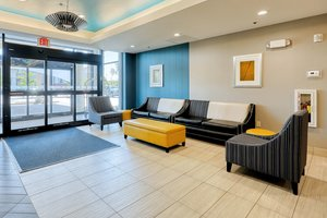 Lobby - Holiday Inn Express Hotel & Suites Batavia