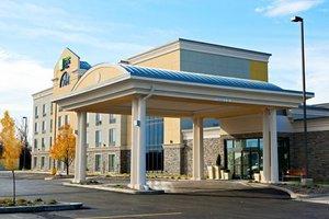 Exterior view - Holiday Inn Express Hotel & Suites Batavia