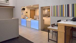 Lobby - Holiday Inn Express Mt Pleasant