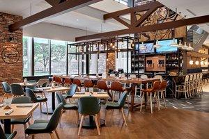 Restaurant - Delta Hotel by Marriott Calgary Downtown