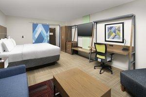 Room - Holiday Inn Express Hotel & Suites North Brunswick