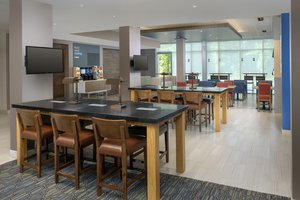 Restaurant - Holiday Inn Express Hotel & Suites North Brunswick