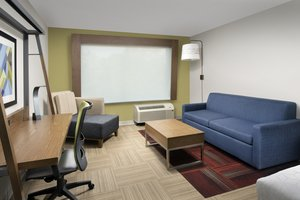 Suite - Holiday Inn Express Hotel & Suites North Brunswick