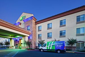 Exterior view - Holiday Inn Express Hotel & Suites Clovis
