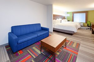 Suite - Holiday Inn Express Hotel & Suites Clovis