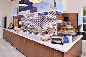 Restaurant - Holiday Inn Express Hotel & Suites McKinleyville