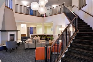 Lobby - Holiday Inn Express Hotel & Suites McKinleyville