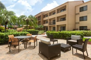 Room - Courtyard by Marriott Hotel Fort Myers