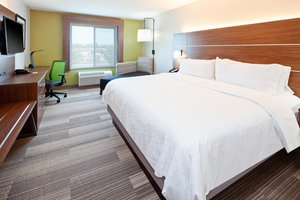 Room - Holiday Inn Express Hotel & Suites Clovis