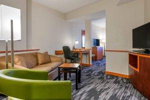 Suite - Fairfield Inn & Suites by Marriott Holiday