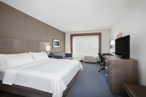 Suite - Holiday Inn Express Hotel & Suites Great Bend