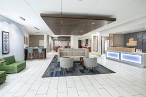 Lobby - Holiday Inn Express Hotel & Suites Great Bend