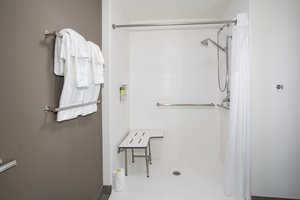 Room - Holiday Inn Express Hotel & Suites Great Bend