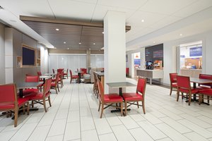 Restaurant - Holiday Inn Express Hotel & Suites Great Bend