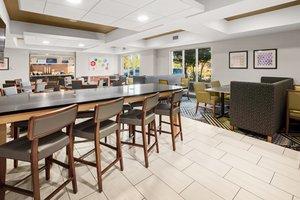 Restaurant - Holiday Inn Express Hotel & Suites Marysville