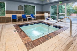 Pool - Holiday Inn Express Hotel & Suites Marysville