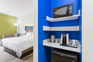 - Holiday Inn Express Plymouth