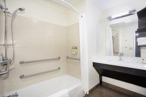 - Candlewood Suites Manhattan