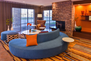 Lobby - Fairfield Inn & Suites Coralville