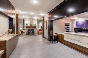 Lobby - Staybridge Suites Charlottesville