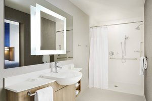 - SpringHill Suites by Marriott North Springfield