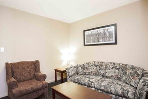 Room - Sandman Inn Quesnel