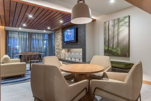 Lobby - Fairfield Inn & Suites by Marriott Franklin