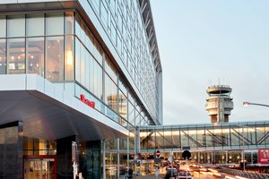 Exterior view - Marriott Montreal Airport Hotel Montreal