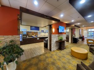 Restaurant - Holiday Inn Express Hotel & Suites Sandusky