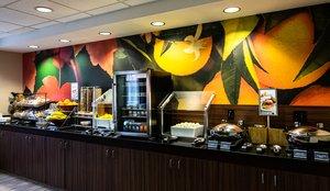 Restaurant - Runway Inn & Suites New Orleans Airport Kenner