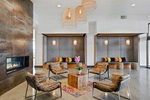 Lobby - Hotel Indigo Waterfront Place Everett
