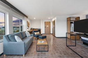 Suite - Hotel Indigo Waterfront Place Everett
