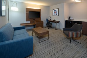 Suite - Holiday Inn Express Hotel & Suites Airport SeaTac