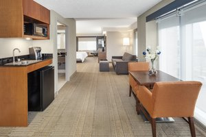 Suite - Holiday Inn Express Hotel & Suites Riverhead
