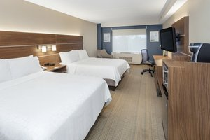 Room - Holiday Inn Express Hotel & Suites Riverhead