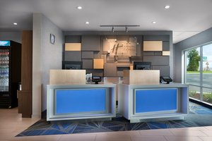 Lobby - Holiday Inn Express Lake Park