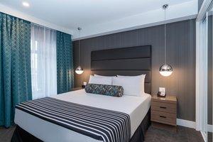 Suite - Sandman Signature Calgary Airport Hotel